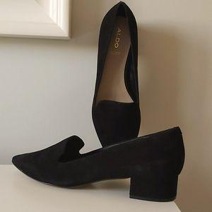 Ladies black dress shoes